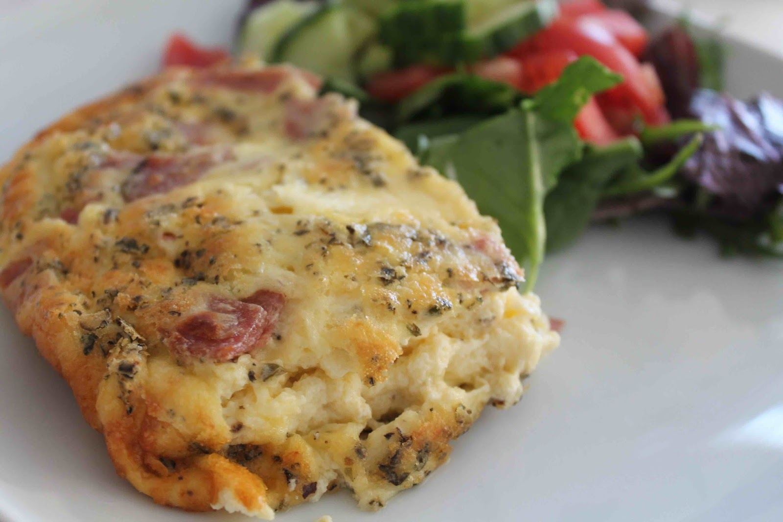 Pizzalåda med salami lchf