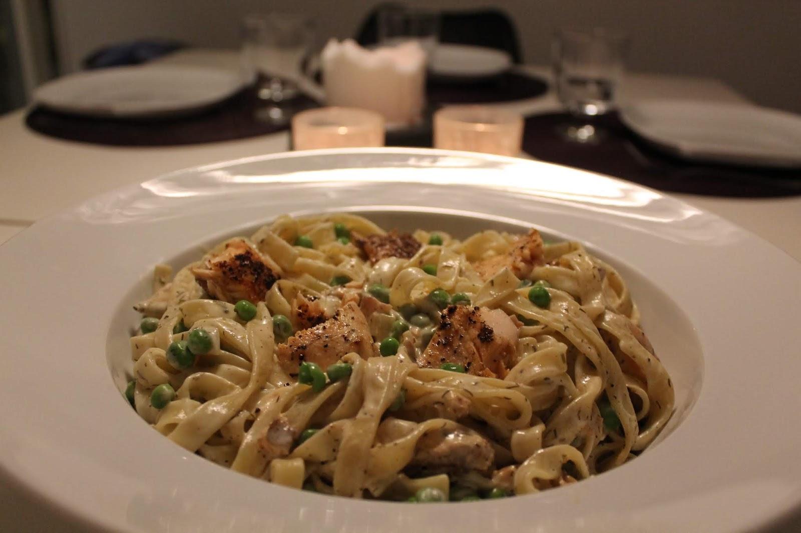 Krämig pasta med röding, dill och ärter
